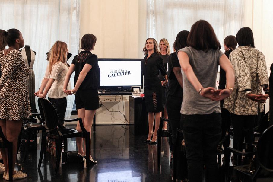 jpg classique intense press conference brand contente. Black Bedroom Furniture Sets. Home Design Ideas